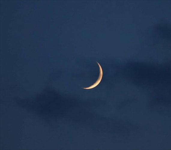 The conspiracy of the kafir mushriks with the moon